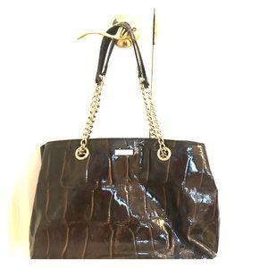 Reposhing Kate Spade purse